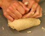 Хлебчета с червен лук и синьо сирене 2