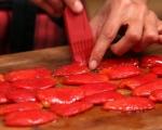 Обърнат хляб с домати и босилек 7