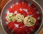 Обърнат хляб с домати и босилек 8