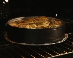 Обърнат хляб с домати и босилек 9