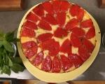 Обърнат хляб с домати и босилек 10