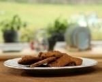 Бисквити с орехи и стафиди 7