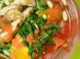 Пилешка спаначена салата с ягодов вин...