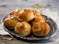 Хлебчета с печен чесън