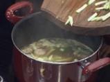Кисело-сладка супа със свинско и тофу 4