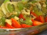 Плодова салата с орехи и мед