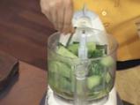 Гаспачо от авокадо с пикантни крутони 2