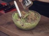 Мус от авокадо с пушена скумрия 3