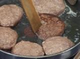 Кюфтета от червен фасул с чушкова салса 5
