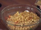 Нахутова салата с къри дресинг от кисело мляко 3
