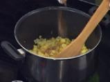 Супа от тиквички с къри