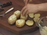 Пълнени картофи със сирене на микровълнова фурна 6