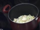 Лучена супа със салвия