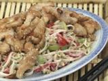 Салата от соеви кълнове с пилешки хапки