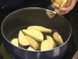 Картофено плато с барбекю сос и дип