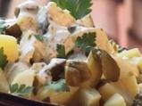 Беловидовска салата с картофи