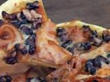Пица с червен боб и бекон