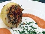 Пълнен лук с телешка кайма и ориз