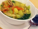 Пилешка супа със зимни зеленчуци и ов...