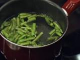 Подлучена картофена салата със зелен фасул 2