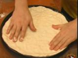 Пица с рулца от раци и пушено сирене 3