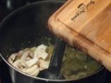 Зелен фасул с гъби и сметана 2