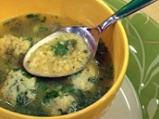 Супа с червена леща, пресен лук и топ...