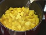 Яйчено къри с картофи 2