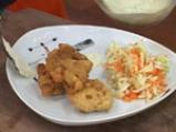 Панирани хапки шаран с орехи и медена зелева салата 6