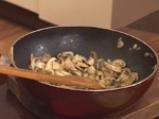 Лазаня със спанак и печурки