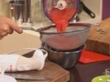 Карамелизирани кайсии със захаросани хрупки и ягодово сорбе 2