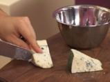 Крилца в меден чушков сос и дип от синьо сирене 5