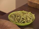 Крокети от зелен фасул със салата от патладжани