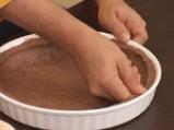 Карамелена торта с бял шоколад и пияни малини 3