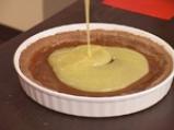 Карамелена торта с бял шоколад и пияни малини 7