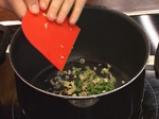 Супа с морски деликатеси и манатарки