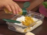 Салата с печена царевица, пържено пилешко и дресинг с топено сирене 2