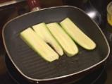 Салата с печена царевица, пържено пилешко и дресинг с топено сирене 3