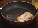 Салата с печена царевица, пържено пилешко и дресинг с топено сирене 7