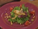 Салата с печена царевица, пържено пилешко и дресинг с топено сирене 8