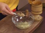 Риба с подлучен орехов сос 2