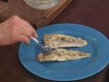 Риба с подлучен орехов сос 3