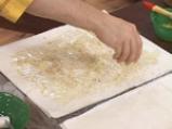 Рулована баклава с извара и банани 4