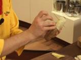 Наденица в картофена коричка и пюре от фасул 6