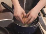 Спаначена крем супа със забулени яйца и орехи 5