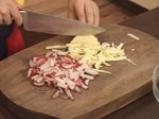 Салата с репички, ябълка и сос с маково семе 6