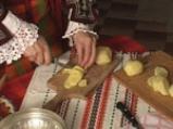 Пържени картофи с яйца и сирене