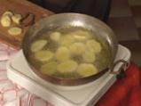 Пържени картофи с яйца и сирене 3
