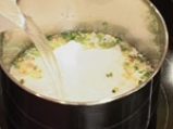 Том ка гай (супа с кокосово мляко и пилешко месо) 4