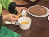 Торта с шоколад, орехи и лешници 8